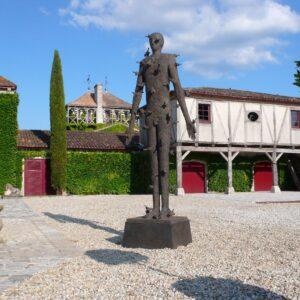 Château Smith Haut Lafitte – Cour d'entrée Statue de Mimmo Palladino